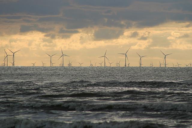 wind-park-2057881_640 FAIReconomicsNewsletter KW 07NACHRICHTEN: Klima und Umwelt im GroKO-Vertrag, Versicherungen und Kohlekraft, Deutsche Bahn, Hybrid Flugzeug, Ecoship, Kapitalbedarf Newsletter