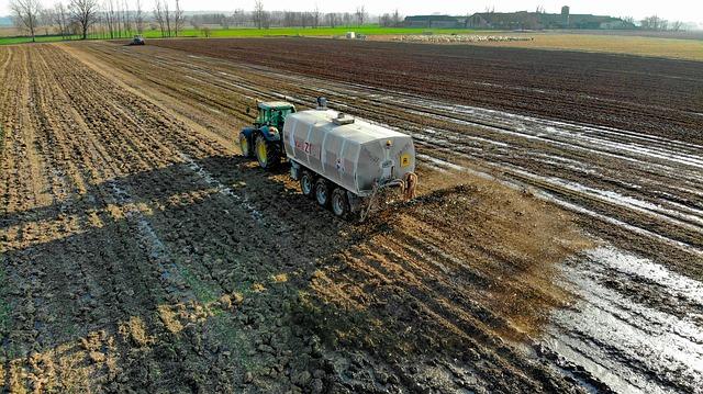 fertilization-4044001_640 FAIReconomicsNewsletter KW 36NACHRICHTEN: Kohleausstiegsförderung - umstritten, Artenschutz - Fortschritte, Nitratbelastung - Strafzahlung, WLPT-Test - in Kraft,  Neues aus dem Bundestag Newsletter