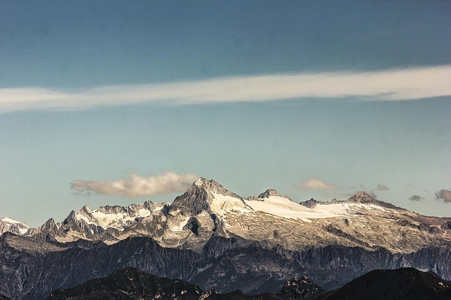 mountain-4051415_640 FAIReconomicsNewsletter KW 40NACHRICHTEN: Sonderbericht des IPCC über Ozeane und Eisschilde, Klimabericht Zahlen weg, Merkel widerspricht Greta, AfD gegen Klimawandel, Newsletter