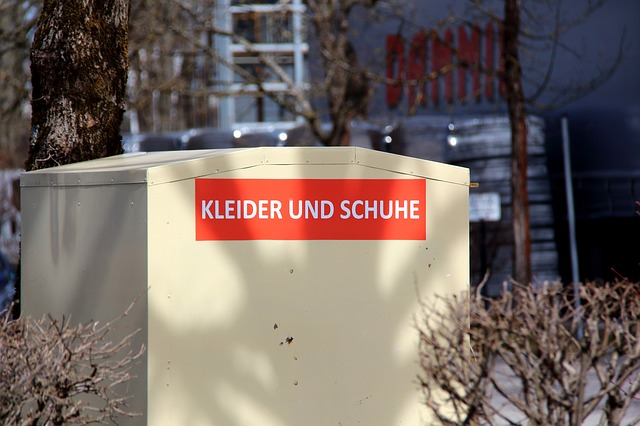 used-clothing-container-3293338_640 FAIReconomicsNewsletter KW 37NACHRICHTEN: Energiewende-Index, Schulze droht wegen Klima mit Ende der GroKo, FDP will Kryptowährung fürs Klima, E-Scooter-Nutzen, Neues aus dem Bundestag Newsletter