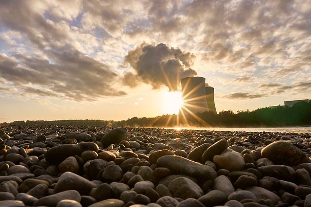 nuclear-power-plant-4528746_640 FAIReconomicsNewsletter KW 43NACHRICHTEN: Atomfonds als Vorbild, Nordsee-Ölplattform, klimafreundliche SPD-Teams, Tempolimit, Mobilität und mehr und Neues aus dem Bundestag Newsletter