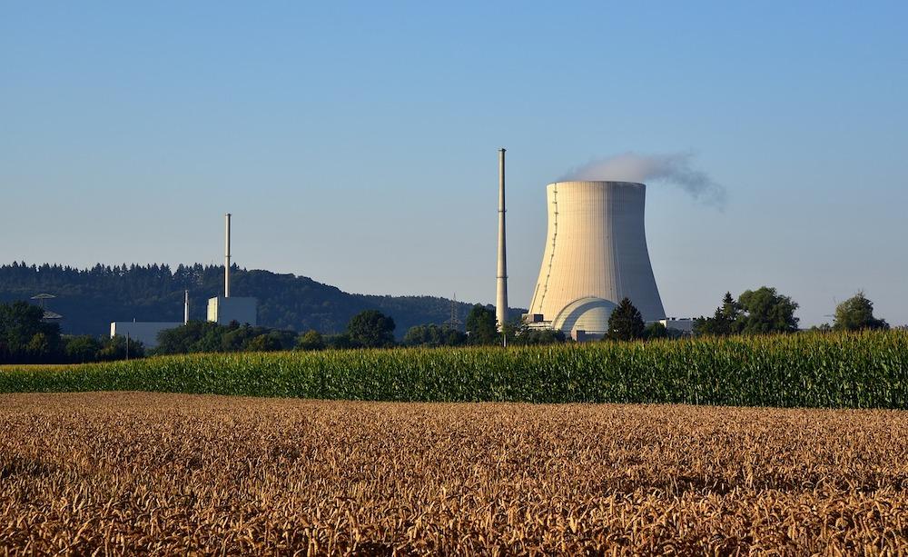 nuclear-power-plant-3545244_1280 FAIReconomicsNewsletter KW 51NACHRICHTEN: Madrids schlechter Klimakompromiss, Deutschland Mittelmaß, Energiewende bei Gebäuden kommt nicht voran, dreckige Politiker Autos, Neues aus dem Bundestag Newsletter