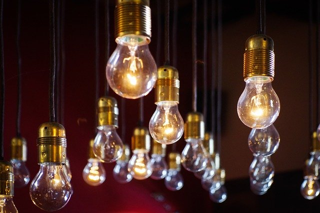 light-bulbs-918581_640 FAIReconomicsNewsletter KW 19: Merkel für mehr europäischen Klimaschutz,  Entwicklungspolitik, Abwrack- oder Mobilitätsprämie, Neues aus dem Bundestag Newsletter